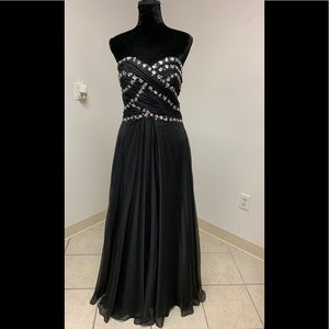 Size 19 Black Beaded Prom Homecoming Dance Pageant Formal  Gown Dress